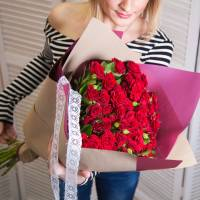 Букет 25 красных кустовых розы R016