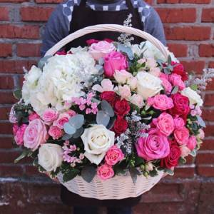 Большая сборная корзина, розы с гортензией R948