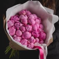 Большой букет 29 розовых пионов в упаковке R448