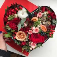 Сборное сердце с розами R026
